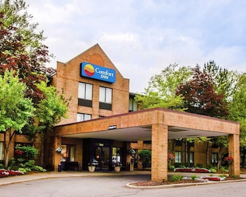 Enter your dates to get the Livonia hotel deal