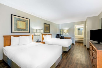 Фото La Quinta Inn by Wyndham New Orleans Causeway у місті Метейрі