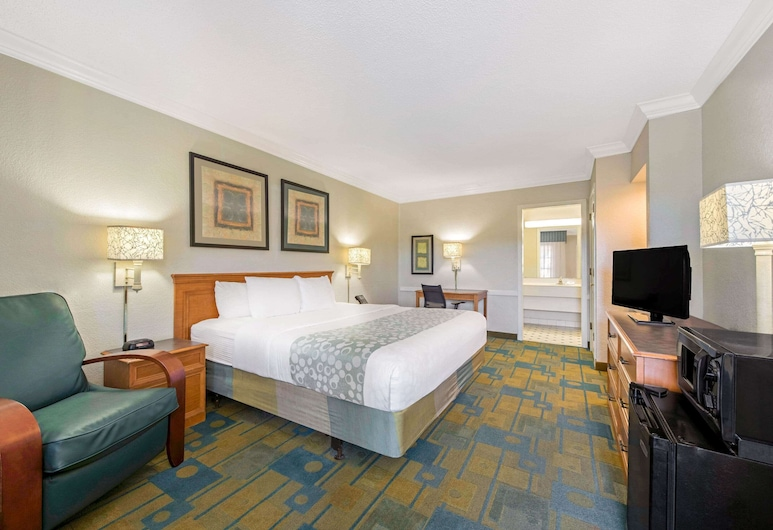 La Quinta Inn by Wyndham New Orleans Causeway, Metairie, Room, 1 King Bed, Non Smoking, Guest Room