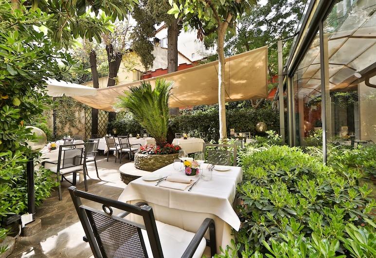 Rivoli Boutique Hotel, Florence, Restauration en terrasse