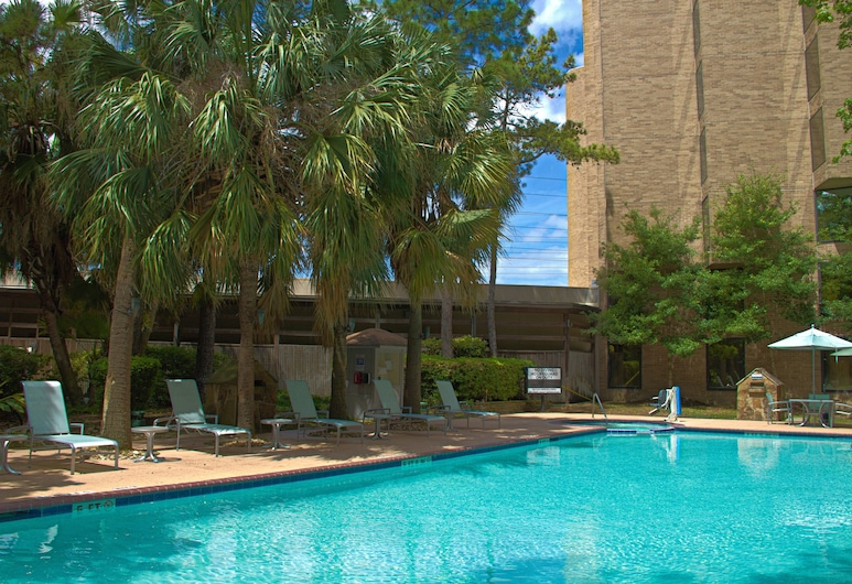 DoubleTree by Hilton Houston Intercontinental Airport, Houston, Outdoor Pool