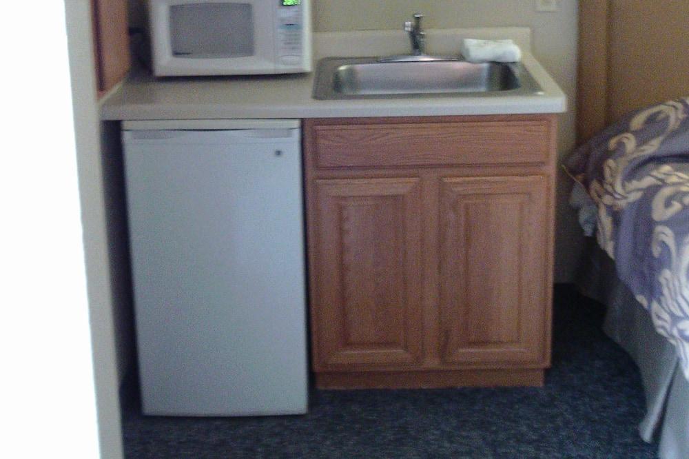 Standard Room, 2 Queen Beds, Non Smoking, Refrigerator & Microwave - Mini Refrigerator