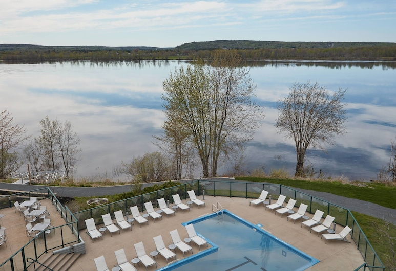 Delta Hotels by Marriott Fredericton, Fredericton, Room, 1 King Bed, Non Smoking, River View, Guest Room View