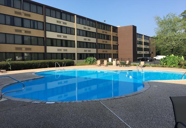 夏洛特機場溫德姆華美達廣場飯店及會議中心, 夏洛特市, 室外游泳池
