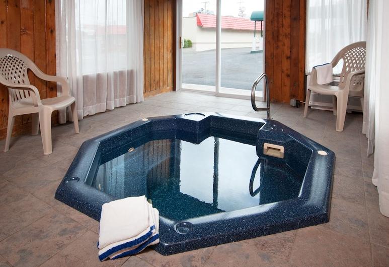Travelodge by Wyndham Beckley, Beckley, Indoor Spa Tub