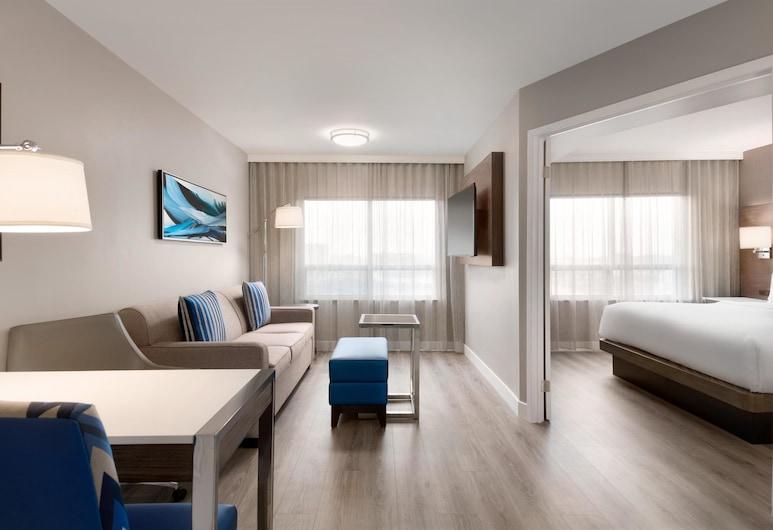 Embassy Suites by Hilton Montreal Airport, ปวงแคลร์, ห้องพัก