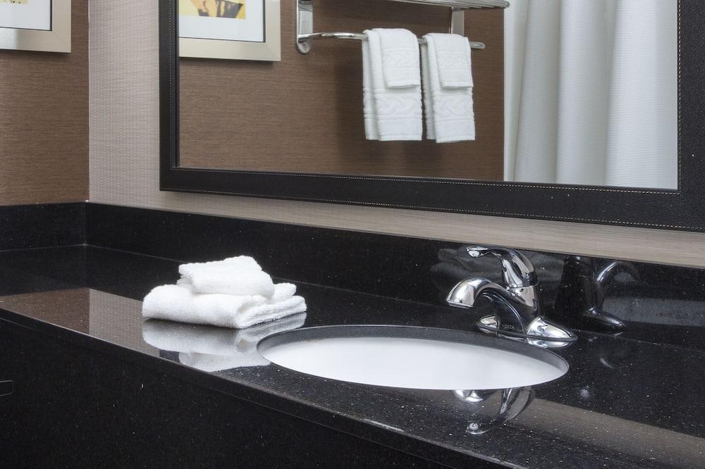 Quarto, 2 camas queen-size, Não-fumadores - Casa de banho