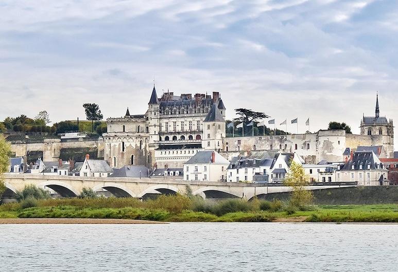 昂布瓦斯宜必思酒店, Amboise, 酒店正门