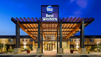 Picture of Best Western West Towne Suites in Madison