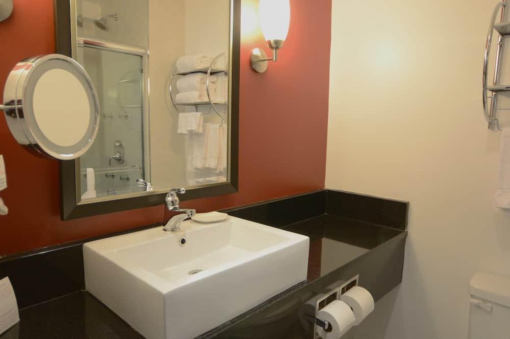 Junior Suite, 2 bračna kreveta, za nepušače - Kupaonica