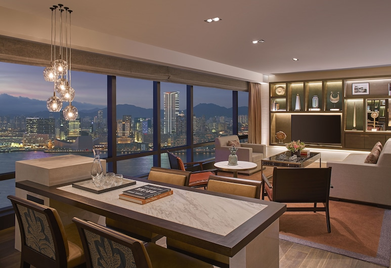 Grand Hyatt Hong Kong, Hong Kong, Room, 1 King Bed, Harbour View (Ambassador), Living Area