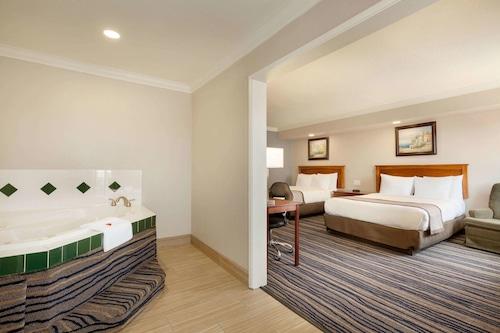 加利福尼亞尤里卡溫德姆戴斯飯店/