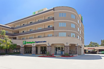 Picture of Holiday Inn Express Hotel and Suites Pasadena-Colorado Blvd in Pasadena