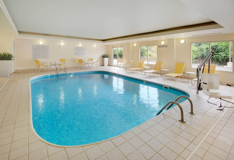 Fairfield Inn and Suites by Marriott Indianapolis Airport, Indianapolis, Innendørsbasseng