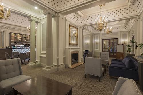 皇家維多利亞謝菲爾德皇冠假日飯店/