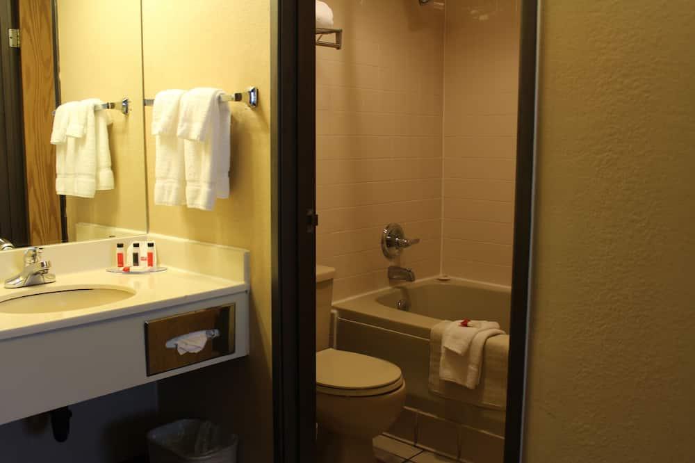 Room, 1 Double Bed, Non Smoking - Bathroom