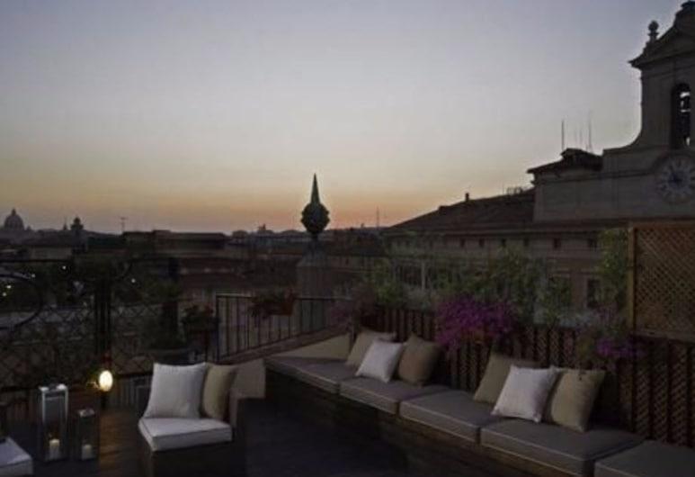 Colonna Palace Hotel, Roma, Terasa / vidinis kiemas