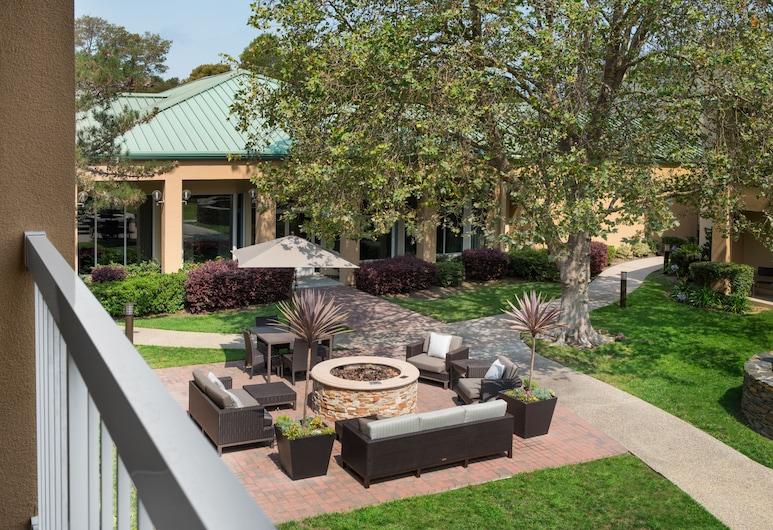 Courtyard by Marriott San Mateo Foster City, Foster City, Standarta numurs, 1 divguļamā karaļa gulta, Balkons