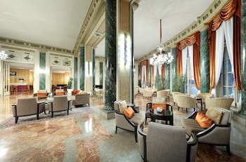 Picture of Eurostars Hotel Excelsior in Naples