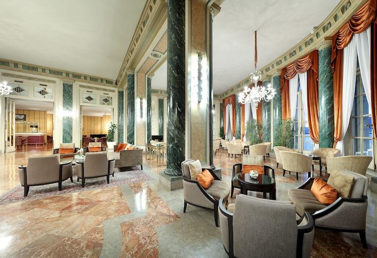 Eurostars Hotel Excelsior, נאפולי, לובי