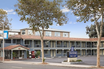 Picture of Travelodge by Wyndham Palo Alto Silicon Valley in Palo Alto