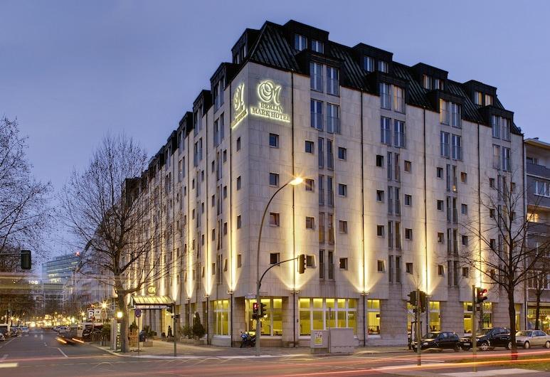 Berlin Mark Hotel, Berlin, Hotel Front – Evening/Night