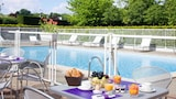 Book this Pool Hotel in Saint-Jean-de-Braye