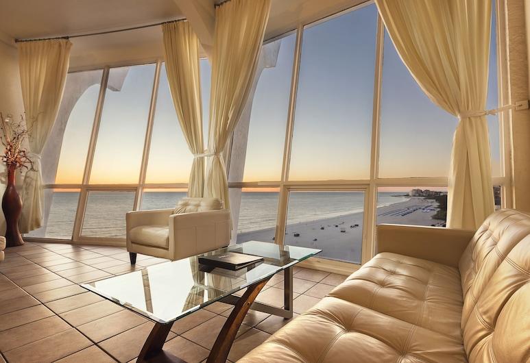 Grand Plaza Beachfront Resort Hotel, St. Pete Beach, Attico, Soggiorno