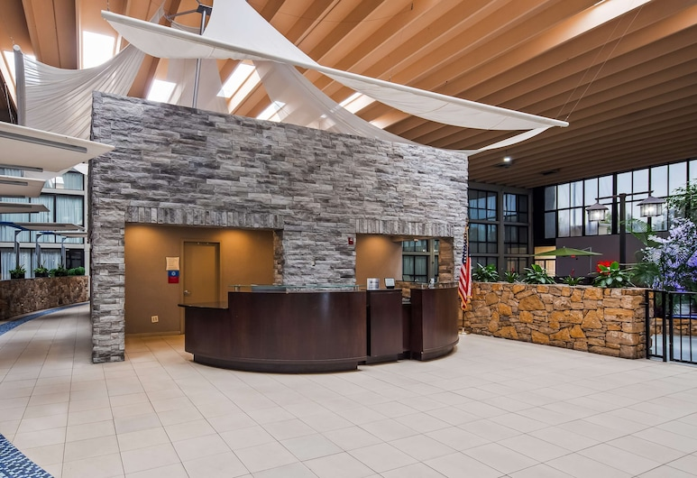 SureStay Plus Hotel by Best Western Kansas City Northeast, Kansas City, Lobby