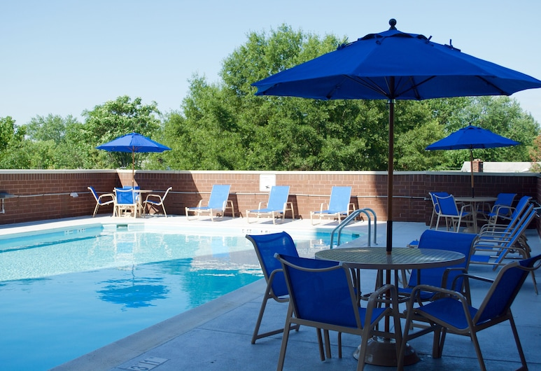 Holiday Inn Arlington at Ballston, Arlington, Pool