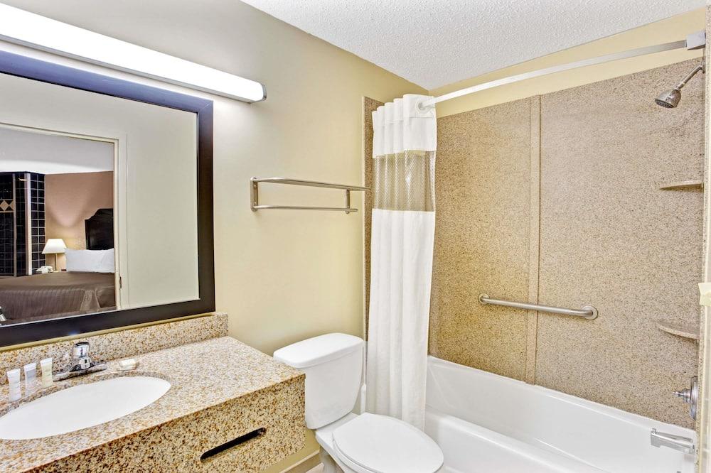 標準客房, 1 張特大雙人床, 無障礙, 吸煙房 - 浴室