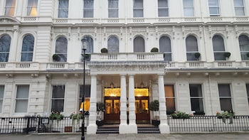 Picture of Commodore Hotel in London