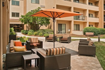 Picture of Courtyard by Marriott Charlotte Southpark in Charlotte