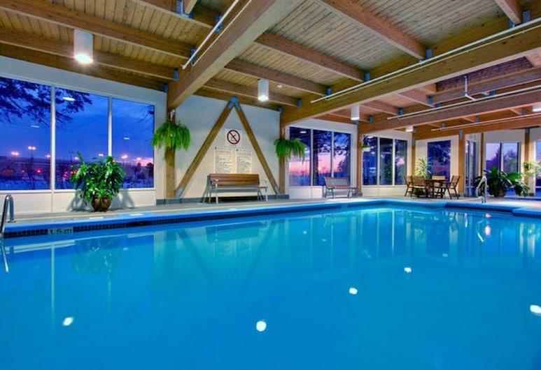 Holiday Inn Montreal Longueuil, an IHG Hotel, Longueuil, Pool