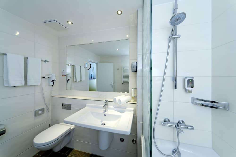 Habitación familiar, Varias camas (All Comfort) - Baño