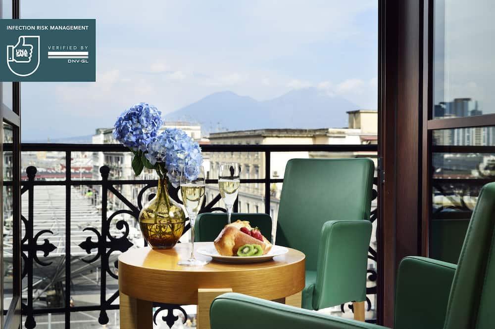 Junior Suite, Bathtub - Balcony