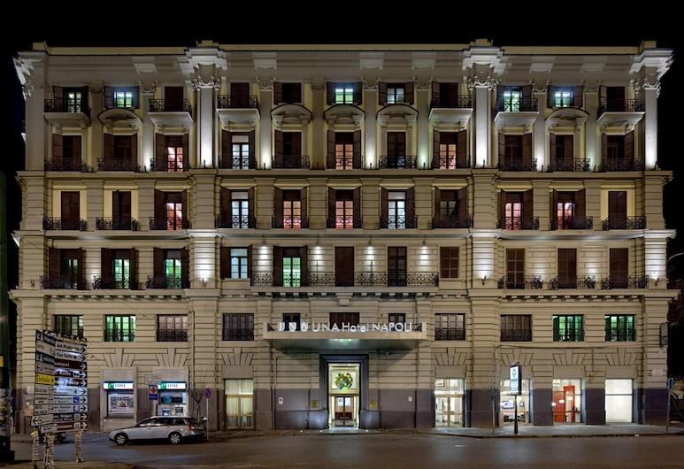 拿波里烏納酒店, 那不勒斯, 酒店正面