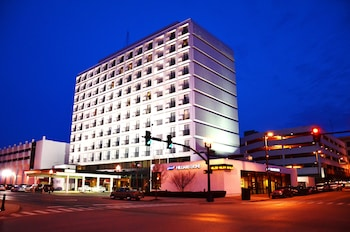 Picture of Pullman Plaza Hotel in Huntington