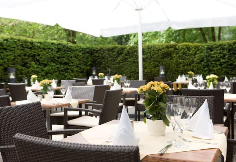 Steigenberger Hotel Dortmund, Dortmund, Terrace/Patio