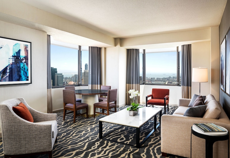 เดอะเวสทิน เซนต์ฟรานซิส ซานฟรานซิสโก ที่ยูเนียนสแควร์, ซานฟรานซิสโก, ห้องสวีท, เตียงใหญ่ 1 เตียง, ปลอดบุหรี่, เห็นวิว (Landmark Building), ห้องนั่งเล่น