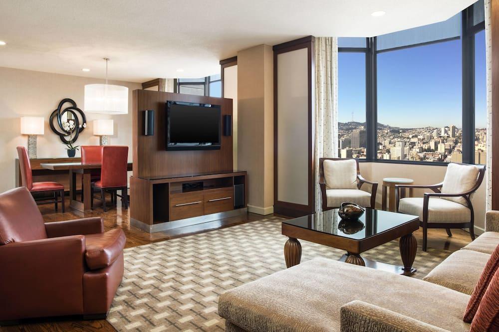 Suite, 1 Bedroom, Non Smoking, Bay View (Golden Gate Suite) - Living Room