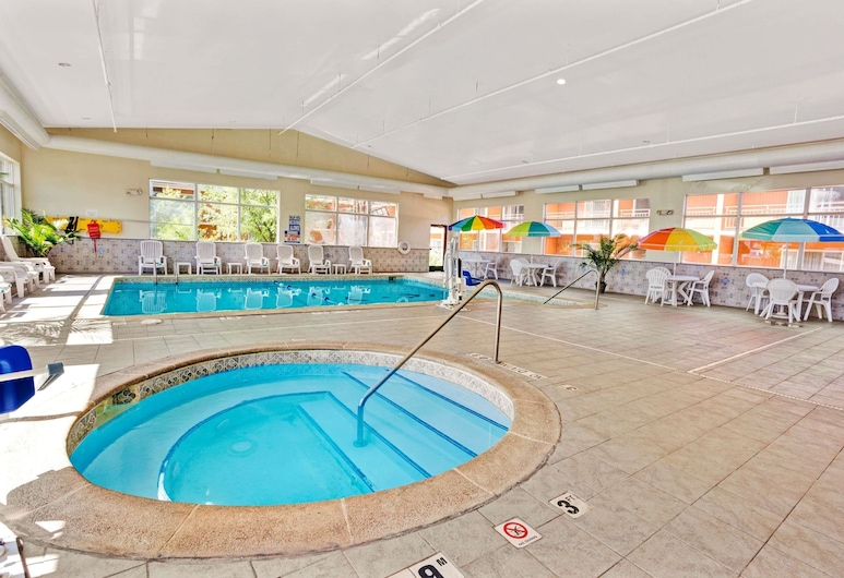 Days Inn by Wyndham Ann Arbor, Ann Arbor, Pool