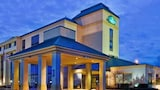 Choose This Pool Hotel in Dothan