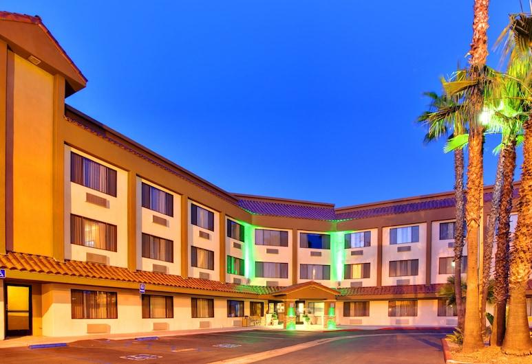 Holiday Inn La Mesa, La Mesa, Külső rész