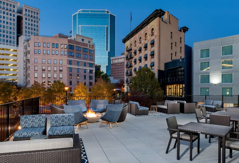 Fairfield Inn & Suites Fort Worth Downtown/Convention Center, Fort Worth, Terraza o patio