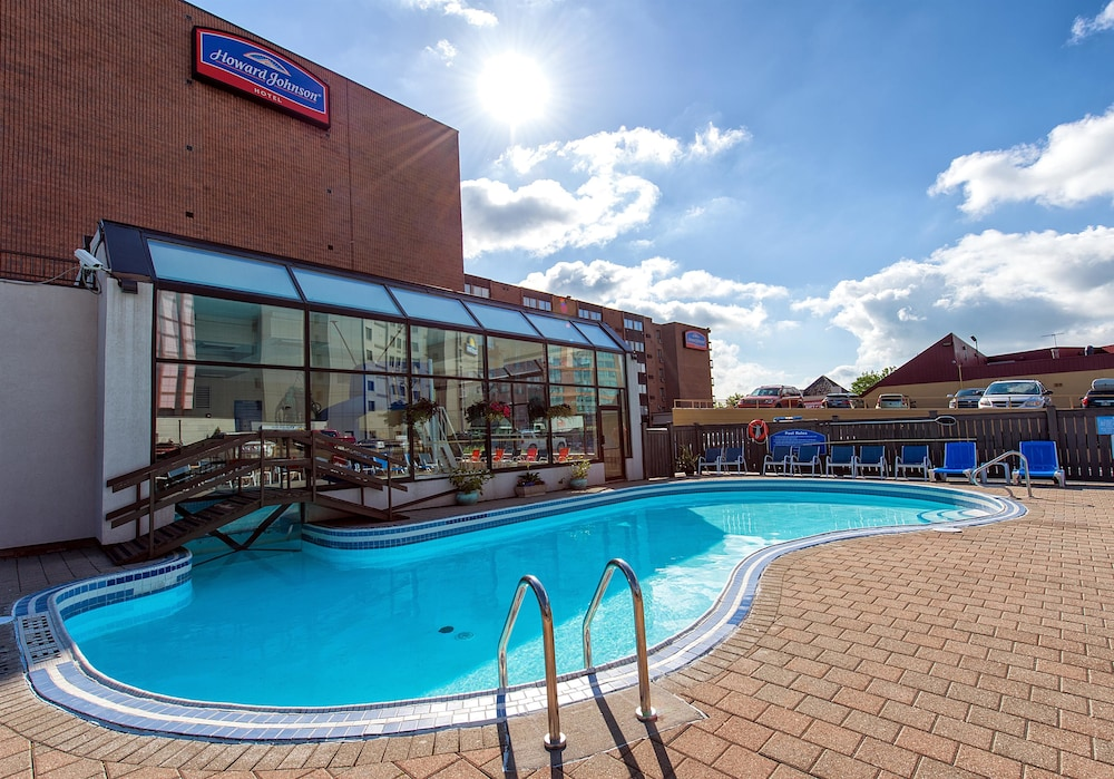 Howard Johnson Hotel By Wyndham The Falls Niagara 2018 Updated Price Reviews Hd Photos Hotels