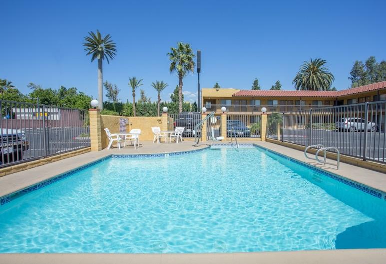 賽維亞酒店, 安大略, 室外泳池