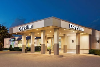 Picture of Days Inn by Wyndham London in London