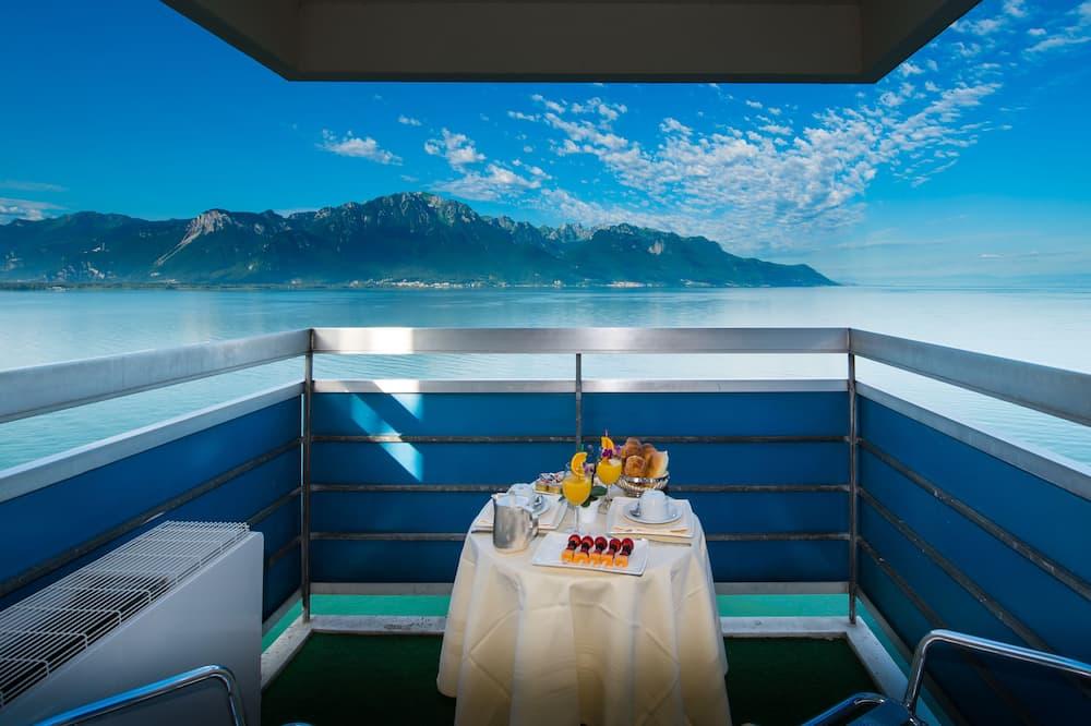 غرفة بانوراما - منظر للبحيرة - شُرفة