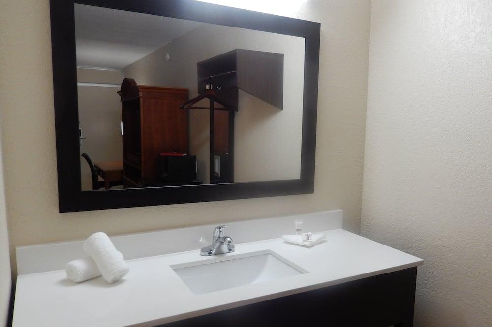 Deluxe-værelse - 2 dobbeltsenge - ikke-ryger - Badeværelse